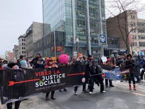 manifestation Viser la justice sociale