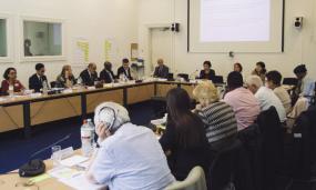 Des expert-e-s discutent de la nouvelle stratégie de l'UNESCO pour l'alphabétisation à l'UIL.