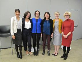Photo de groupe de six représentantes d'organismes.