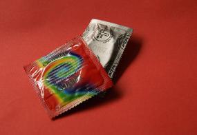 deux emballages de condoms