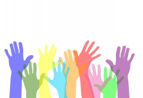 Illustration de mains levées colorées.